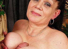 Granny loves to get her mouth filled yon jizz