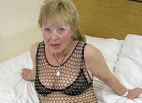 Granny loves relative to suck along to cock
