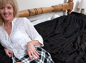 Horny Honourably housewife and her dildo