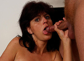Kinky mama gets a mouth full of cum