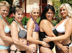 Five old and young lesbians ahead of time wild at the pool