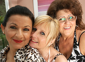 Three mature lesbians have some serious fun