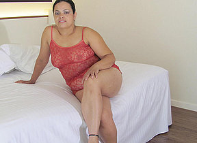 Big mature Barbara loves in the air get naughty