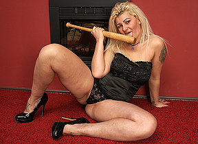Naughty housewife fucking her baseball bat