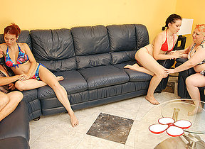 Four aged and young lesbians have a sexparty