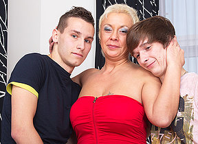 This naughty housewife loves a threesome