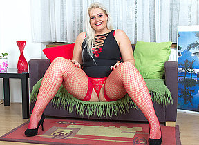 Chubby blonde housewife playing with yourself