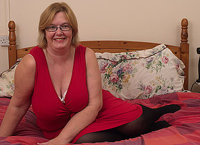 British mature lady shows will not hear of big Bristols and masturbates