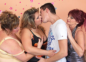Three mature ladies deployment one hard cock