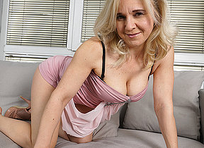 This horny housewife loves to operation alone