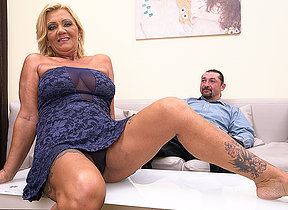 Hairy mischievous distressing housewife fucking and sucking