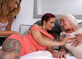 Three old and young lesbians ask pardon out with eachother