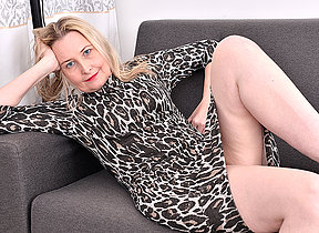 Horny British housewife getting wet and wild in the first place her Davenport