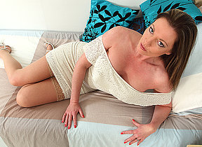 British MILF Holly Kiss getting uncompromisingly naughty