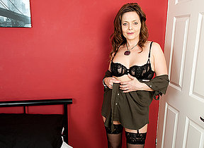 Inclement British housewife playing with herself