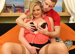 Chubby mature lady having relaxation with her bauble caitiff public schoolmate