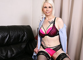 Naughty British mature lady bringing off with herself